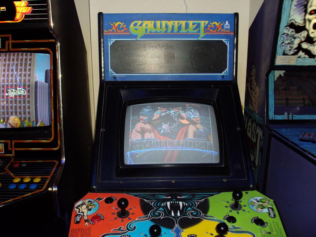 gauntlet-arcadevintage